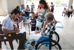 92 ISRI DONA SILLAS DE RUEDAS ADULTOS MAYORES SAN JUAN OPICO1