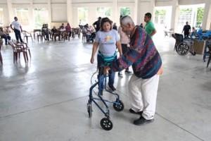 92 ISRI DONA SILLAS DE RUEDAS ADULTOS MAYORES SAN JUAN OPICO3