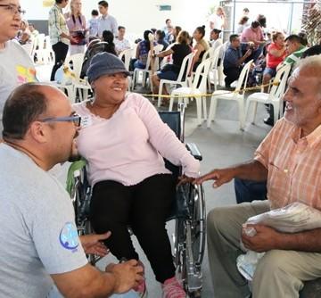 97 ISRI Y JONI AND FRIENDS REALIZAN JORNADA DONACION SILLAS DE RUEDAS